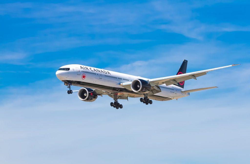 Co powinien zawierać elektroniczny bilet lotniczy?